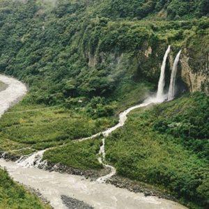 Baños, Tungurahua, Ecuador  BAÑOS DE AGUA SANTA - PROVINCIA DE TUNGURAHUA  By: @dchuchuca  #Baños #ProvinciaDeTu