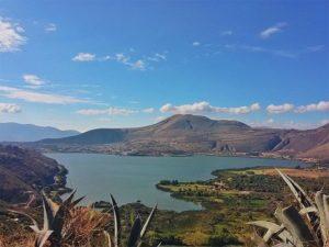 Yahuarcocha Lake Ecuador  YAHUARCOCHA – IBARRA – PROVINCIA DE IMBABURA  By: @dandancj  #Yahuarcocha #Ibarra #P