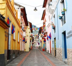 La Ronda  CALLE DE LA RONDA – QUITO – PROVINCIA DE PICHINCHA  By: @phbymela  #Quito #Provincia