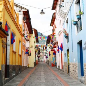 La Ronda  CALLE DE LA RONDA - QUITO - PROVINCIA DE PICHINCHA By: @phbymela #Quito #Provincia