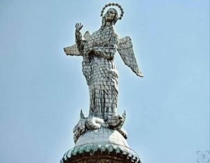 Virgen del Panecillo, Quito.  Foto: @kebiin_bo  #FotografiandoEcuador #ecuadorpotenci