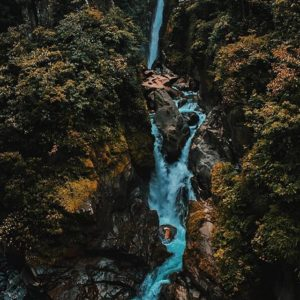 Cascada El Pailon Del Diablo  PAILÓN DEL DIABLO - BAÑOS - PROVINCIA DE TUNGURAHUA  By: @joeladriancontreras  # #Pr