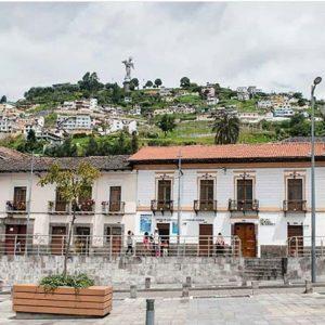 Quito.  Foto: @dancolor  #FotografiandoEcuador #ecuadorpotenciaturística #ecuadoramal