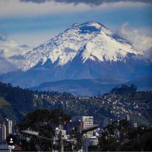 Quito.  Foto: @mrlnyc  #FotografiandoEcuador #ecuadorpotenciaturística #ecuadoramalav