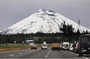 Volcán Cotopaxi.  Foto: @panchopaz  #FotografiandoEcuador #ecuadorpotenciaturística #