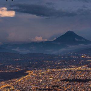 Al caer la noche. Ambato y el Tungurahua PH: caminante.de.montes