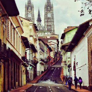 Quito.  Foto: @gatotroya  #FotografiandoEcuador #ecuadorpotenciaturística #ecuadorama