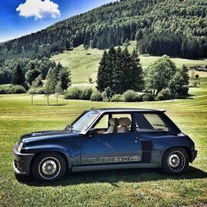 🌎Mundo en Ruedas🌎 📷 FRANCIA 🚗 Renault 5 turbo 2 👤 Cortesía: IG ♻  #ecuador #roadtripe