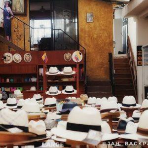 """Museo del Sombrero de Paja Toquilla """"Quando visitar o Equador, use o que os equatorianos usam."""" 🤠 . . O Museu do Sombrero"""