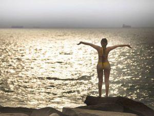 Punta Blanca La hora mágica  cuando el océano  se convierte en oro  #horamagica #ocean #oceanopaci