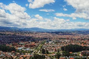 "El Mirador de Turi. Cuenca ecuador 🔭 🌆 . . Mirador Turi – A palavra Turi vem da palavra indígena ""kuri"", que significa o"