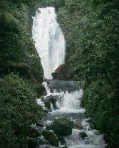 Peguche, Imbabura, Ecuador  CASCADA DE PEGUCHE – OTAVALO – PROVINCIA DE IMBABURA  #Peguche #ProvinciaDeImbabura