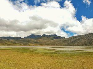 Laguna De Limpiopungo El Rumi . . . 🏔🏔🏔 #landscape_captures #ecuadorprimero #traveler #travel #ecuador #nat