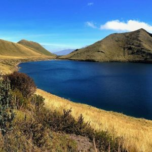 Laguna De Mojanda Laguna de Mojanda - Caricocha (laguna macho), Otavalo, Imbabura, Andes de Ecuador..!