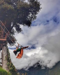 Baños, Tungurahua, Ecuador  COLUMPIO AL FIN DEL MUNDO – BAÑOS DE AGUA SANTA – PROVINCIA DE TUNGURAHUA  #Baños #P