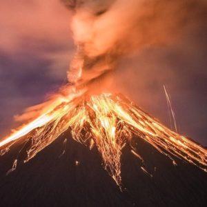 Volcán Tungurahua en erupción. | Una fotografía dantesca. | Aquella madrugada pud...