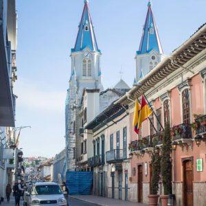 Iglesia de San Alfonso. Cuenca. Azuay, Ecuador  #allyouneedisecuador#architecture...